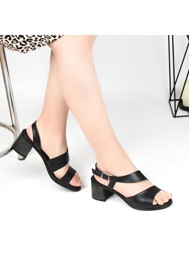 Pandora Ka648 5 Cm Topuklu Günlük Sandalet Beyaz